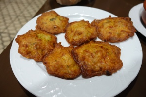 We believe these were shrimp fritters and they were yummy.