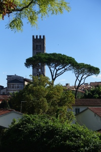 Looking into Lucca as we walk the perimeter.